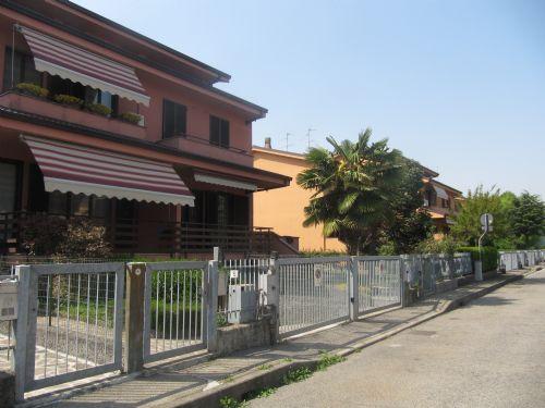 Vendita Villa Bifamiliare 5 Locali Rodano